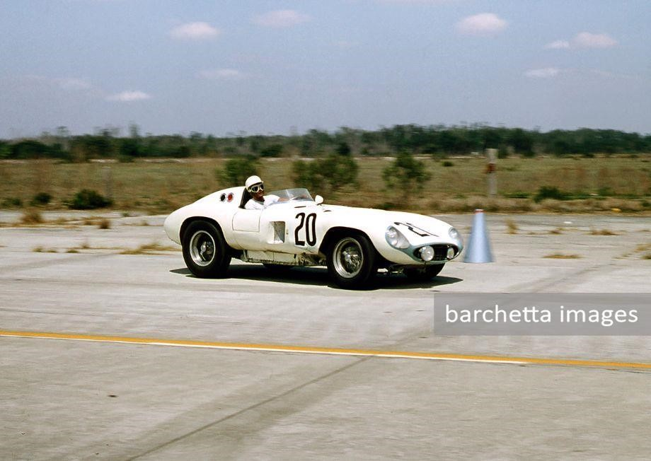 56/mar/24 - dnf engine, bearings - 12h Sebring - Phil Hill / Masten Gregory - #20