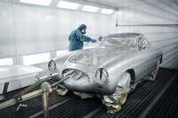 Mercedes-Benz 300 SL (model series W 194) 1952 s/n 194.010.00002 ... Painting the vehicle