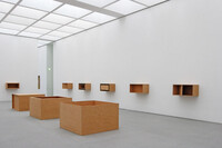 Holzinstallation by Donald Judd