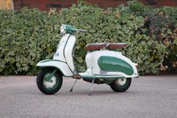 Lot 001 - 1960 Lambretta Li 125 Series 2 s/n 792522 Est. $12,000 - 16,000 €11,000 - 15,000