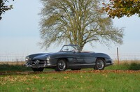 Lot 063 - 1961 Mercedes-Benz 300 SL roadster s/n 198.042.10.002734 Est. €900,000 - 1,100,000 - Sold €1,060,900 $1,124,554